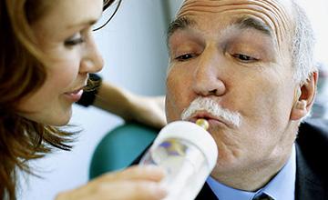 男人喝母奶真能長肌肉? 專家告訴你真實的答案