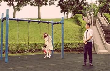 越看越毛...曾有人死在全聯中元祭廣告「阿飄鞦韆」旁?