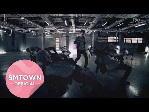 EXO - Growl (2013) 讓EXO人氣爆發的名曲!如果說2PM是男人魅力的野獸,那EXO就是帶點可愛的小狼狗(有點可愛,但兇起來也是不得了的稱讚啦)