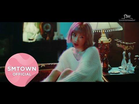 像是太妍今年才發行的單曲《Rain》就是金世熙導演拍攝
