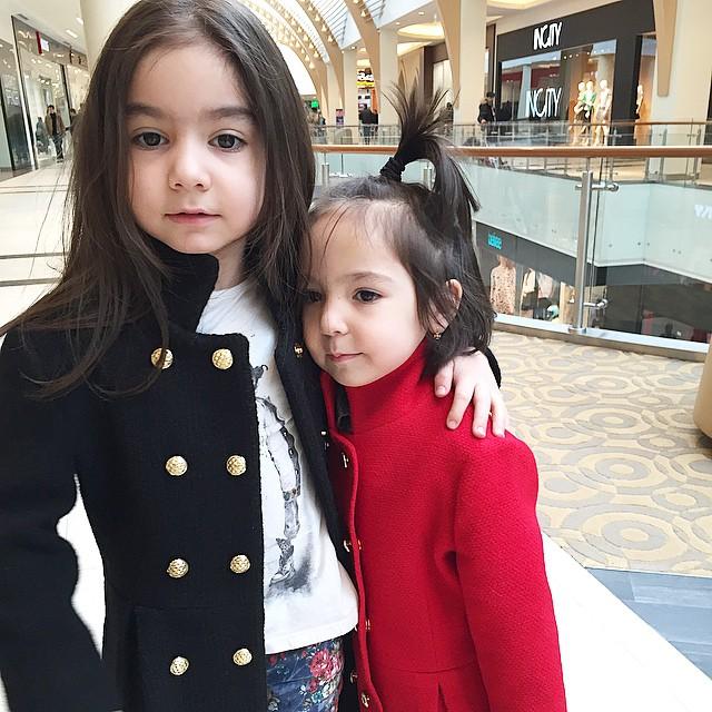 雙胞胎還有兩個姊姊~ 這一家美人基因好強啊