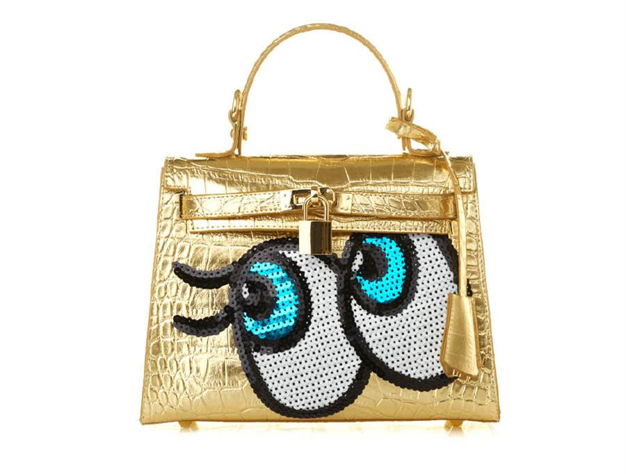 是不是很可愛呢?不管是造型還是包包都讓人很想擁有~特別是包包一看到就印象深刻,大大的眼睛是Play no more的經典設計,讓人整體看起來更甜美呢!
