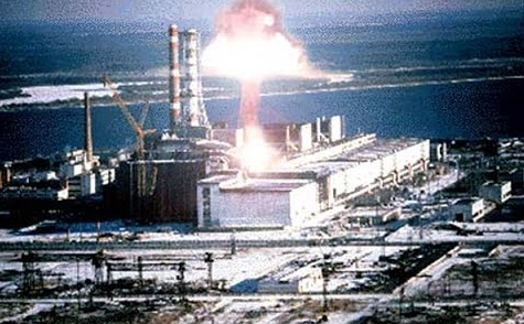 車諾比事件是人類災難史上最黑暗的一幕,1986年4月26日凌晨1時24分,烏克蘭基輔州的普里皮亞季發生了歷史上最嚴重的核能外洩事故。