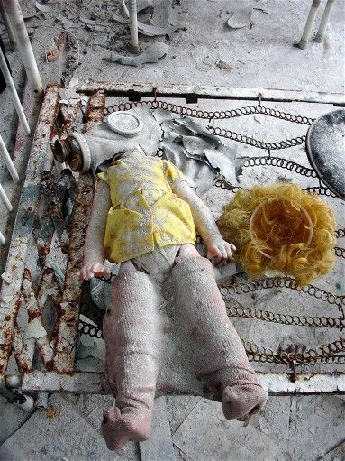 2011年開始,廢棄的車諾比已經被開放成一個旅遊景點。遊客可以看到廢棄的花園中散落在地的玩具,以及餐桌上的報紙。