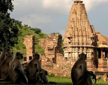 #1位 印度拉賈斯坦邦的斑嘎城堡(Bhangarh Fort)