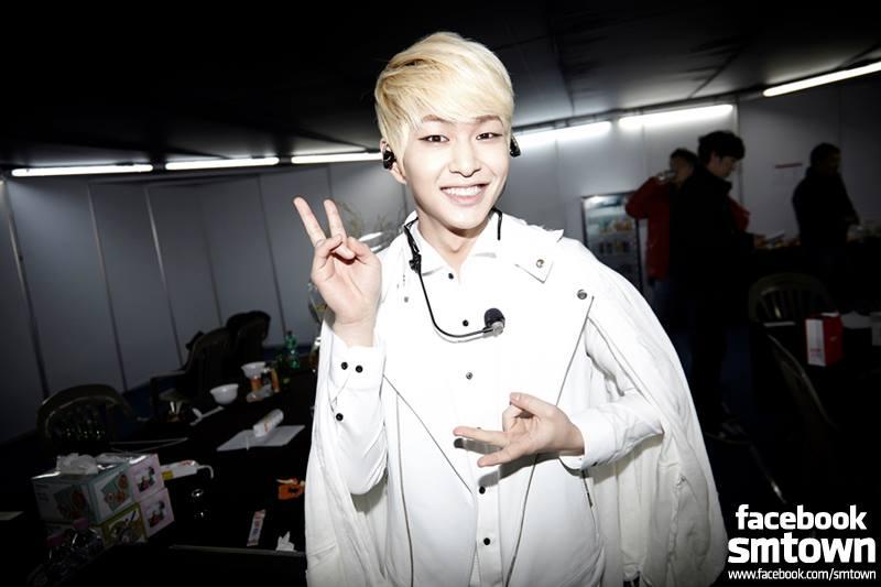 zzang zzang!就是 SHINee 的隊長「溫流」。 光看名字就知道是個溫暖的人啊,每次看到他的笑容,都有種被治癒的感覺。