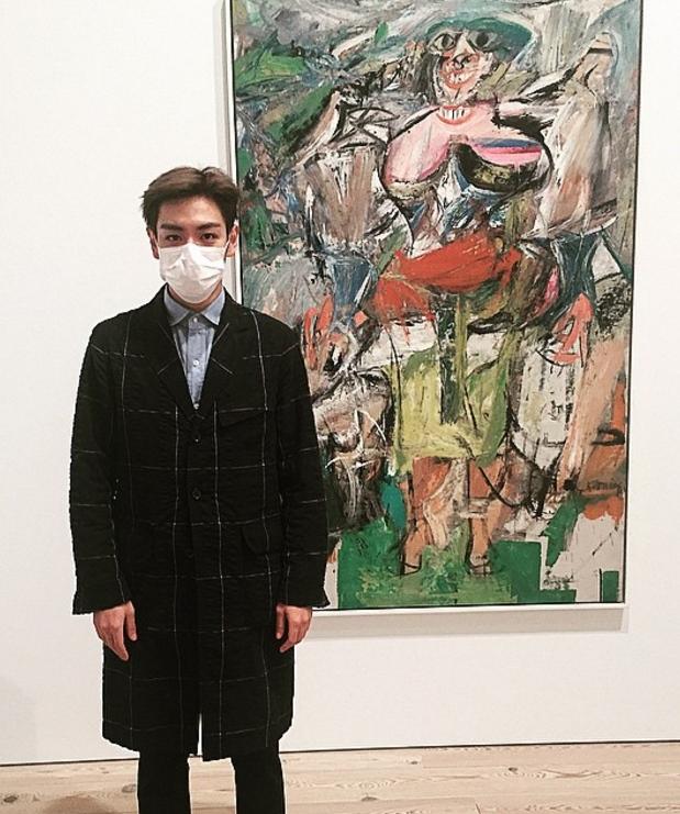 不過BIGBANG中真正的藝術家是T.O.P哈哈,T.O.P的instagram真的充滿和藝術品的合照和傢俱XD