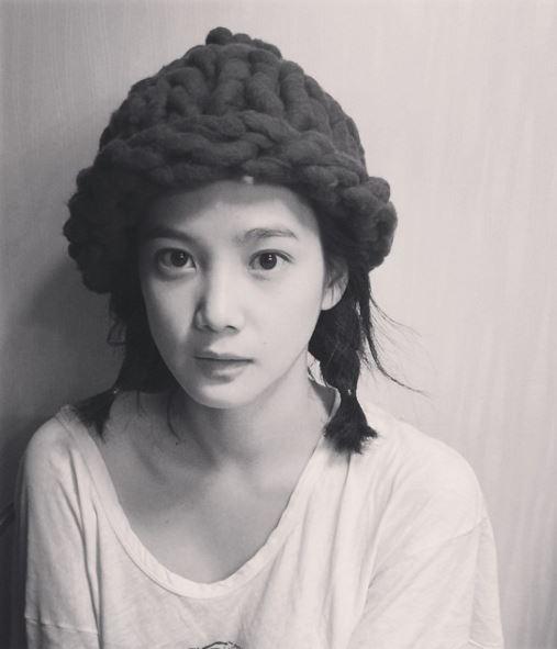 怎麼看都覺得很難相信她居然已經32歲!而且這還是以台灣年齡來算的32歲…