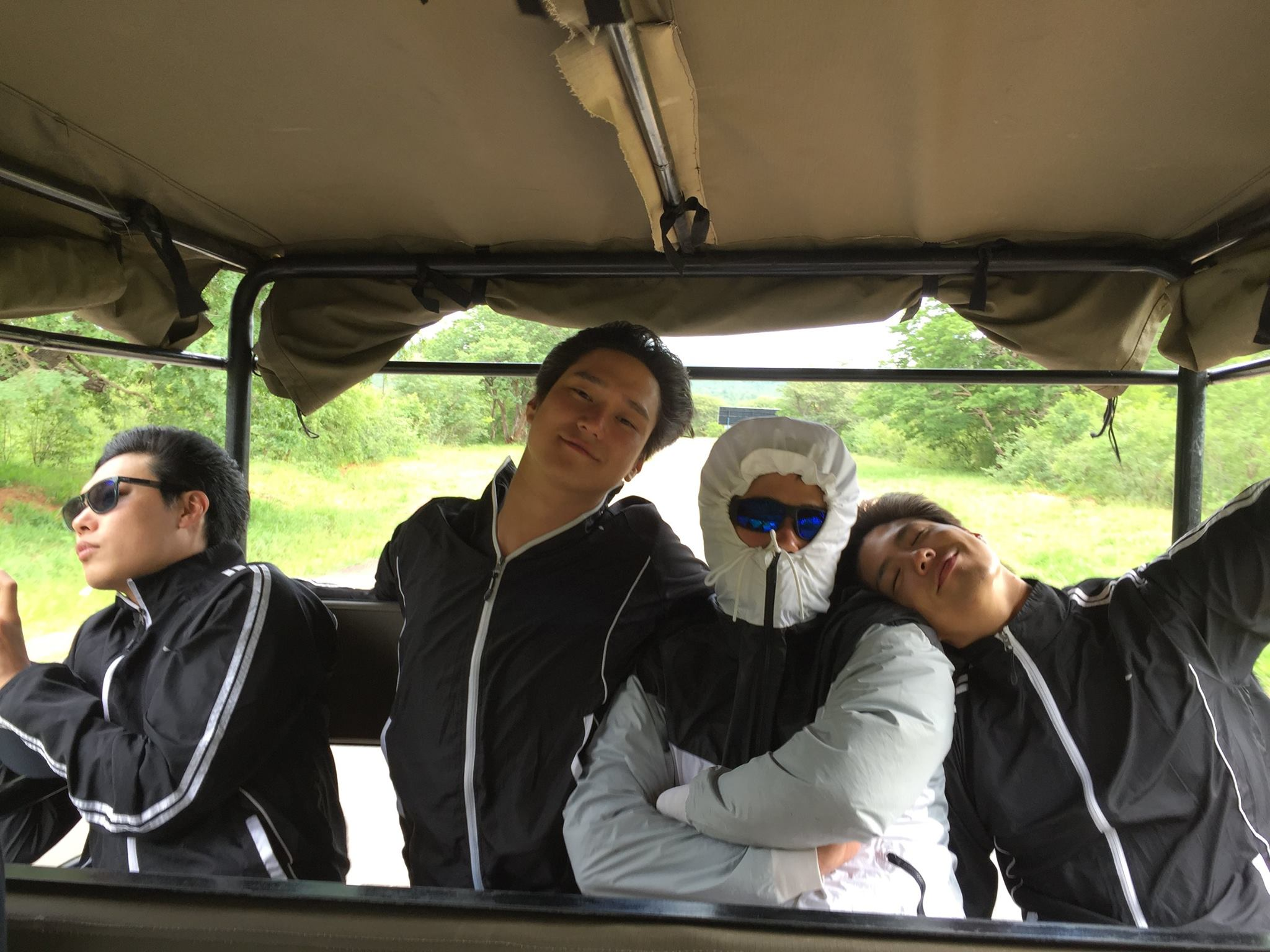 ♡ 看點三:四兄弟有愛的互動  既然是好朋友一起出遊,像這樣的橋段當然不能少啦!