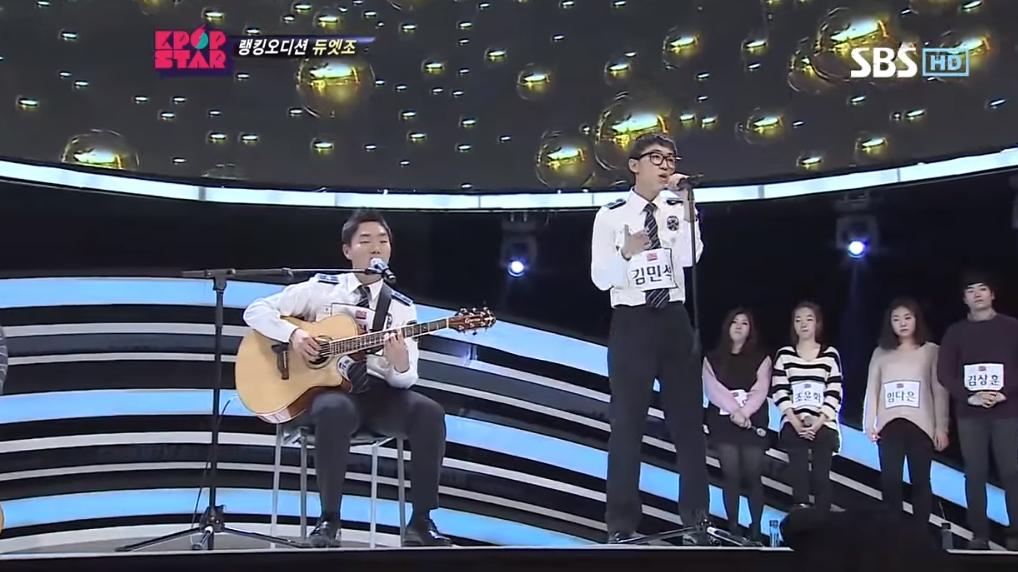 除了男女合唱外,KPOPSTAR 2 的參賽者 레고 (Leggo)也有以自彈自唱的方式演唱過這首歌。