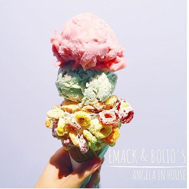 號稱恨天高的冰淇淋,高度可不是開玩笑的啊~而且他有非常多種口味可以依照個人喜好選擇。飽兒覺得最令人心動的,就是有機原料這點,讓我們吃甜點的同時又不會有太多負擔。