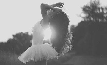 旋轉、跳躍芭蕾舞 婀娜優雅讓人捨不得閉眼