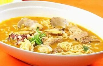 如何用泡麵做出韓式炒馬麵?料理達人告訴你