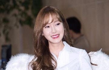 Jessica最新機場裝扮成焦點 只為履行跟粉絲的音源一位約定