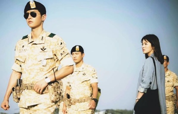 去韓國穿韓服?現在要穿太陽的後裔軍裝才是潮!