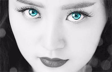 戴隱形眼鏡搭機眼乾硬拔?小心連角膜一起扯下還可能失明!