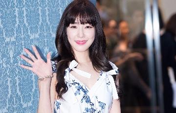 Tiffany在韓國活動受打擊  更讓粉絲傷心的是 連SM公司的行程Tiffany也不能參與了…