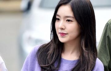 Red Velvet最新「包緊緊」機場時尚 歐巴粉絲直喊「天啊,竟然這樣也可愛!」