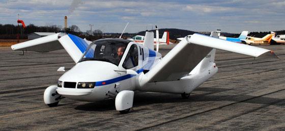 已經有美國廠商推出有翅膀的車 要價美金27.9萬,合台幣837萬~ 一般人想登天還真是不容易啊  00:34