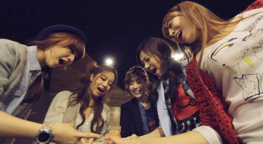 之後,《再抱我一次》(2011. 07. 07),《你!別再四處看》(2011. 09. 02),《Oh My God》(2012. 04. 18)等歌,更是讓大家看見她們不斷成長的一面~♥
