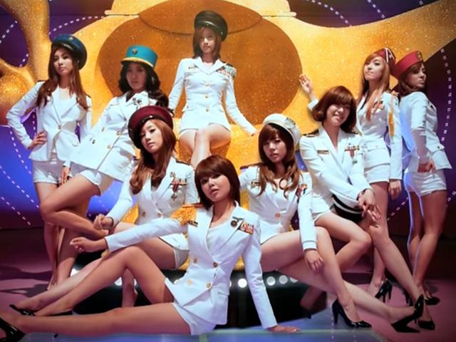 少女時代 - 說出你的願望  (2009.06.25.)  《GEE》席捲韓國之後推出的《說出你的願望》持續發燒,而且當時不僅歌曲,連服裝、舞蹈都是人們的話題~