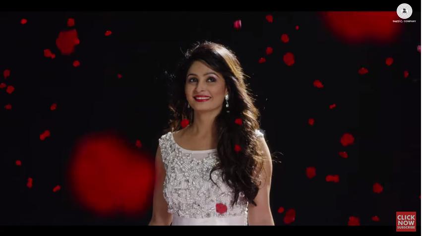 印度一個歌名叫做《Ring Diamond Di》MV被指抄襲少女時代嗎? 看影片不清楚,網友做了截圖照