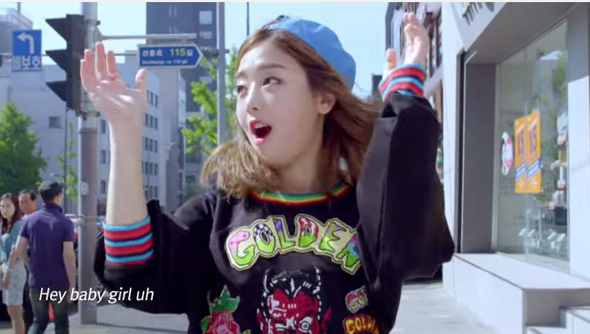 在此之前她才為韓國女性用品品牌演唱廣告歌曲〈#White Style〉,MV還找來Krystal跨刀,因此在能見度上也讓Kisum受到更多人注意。
