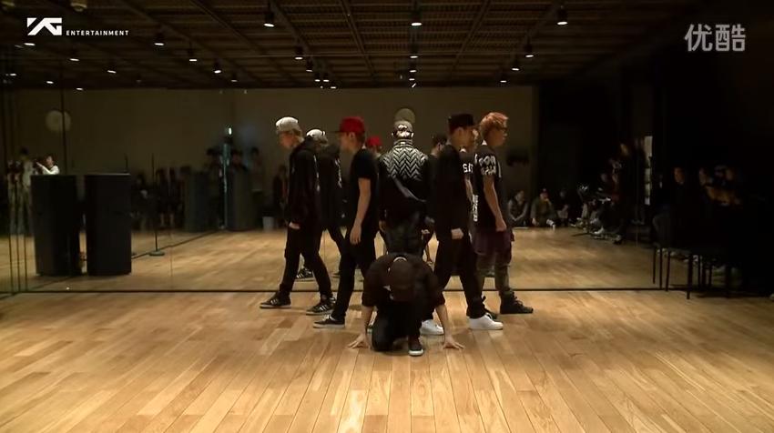 他們在YG曾公開的練習影片,只走一個跳舞強悍又整齊的路線~讓人驚呼原來YG也可以出跳舞機器!?(是因為BIGBANG五人各跳各的為人詬病嗎XDDDD)  *影片無法播放時,請點擊至原出處觀看