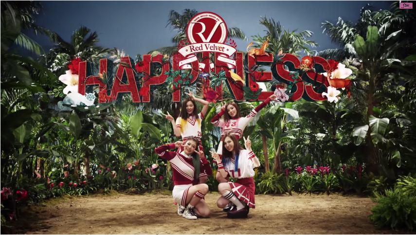 Red Velvet - Happiness (2014)  新人為了讓大家比較容易記得,MV通常都拍得很花俏~也剛好符合Red Velvet出道曲的歡愉風格