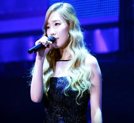 太妍的 OST 處女作是《快刀洪吉童》的「如果(만약에)」。  每次聽到副歌那句「真的像是傻瓜...連一句我愛你都說不出口...」都會想到自己暗戀別人時的等待心情!