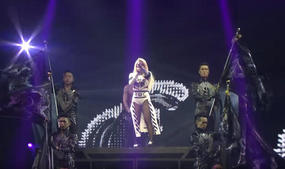 MV 的點擊率幾乎都是千萬起跳的 CL,在舞台上的磁場真的很強大,尤其是在演唱會的時候,完全有女王的感覺。