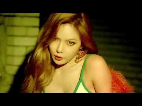 雖然和前幾張專輯形象差不多,依舊走是性感路線,但看來韓國的樂迷們還是非常喜歡這種風格的泫雅。不過雖然一樣的形象受到韓國網友的喜愛,但近來都一樣的「妝感」卻似乎沒有這麼受到粉絲的愛戴了