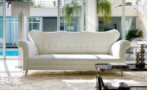 7.偏中性的 Art Deco  使用中性色調,搭配具有光澤的表面材質和柔和的燈光設計, 各式高貴和輕柔的織品,不管視覺和觸覺都讓人覺得時尚奢華。