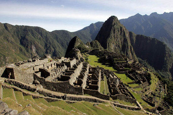"""9.南美洲秘魯的馬丘比丘被稱為""""天空之城"""", 由於此地地質構造不穩, 加上人為破壞等因素, 隨時都可能因為一個小地震導致整座城崩解。"""