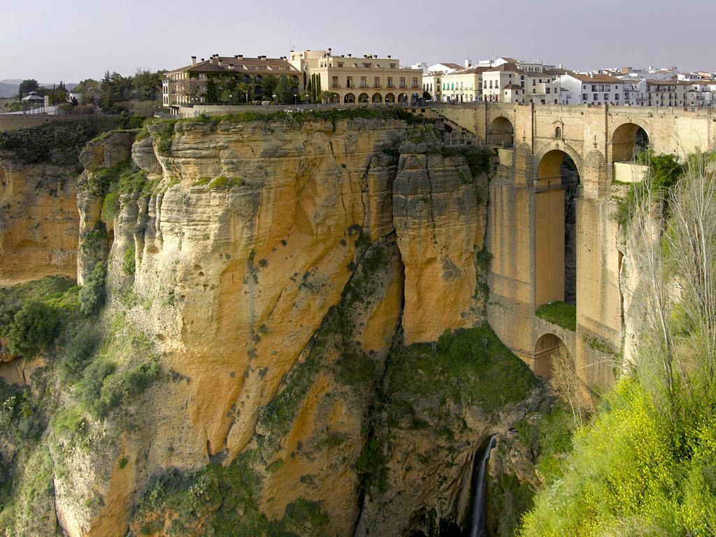 5.西班牙塞維利亞龍達酒店 懸崖峭壁上的酒店