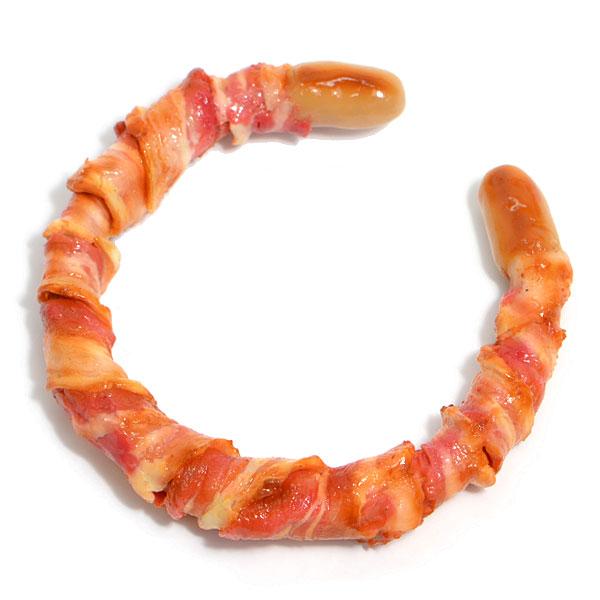油脂的色澤與香腸的焦度 交織成一個「熟透了~可以吃了」的輓歌~ (吞口水)