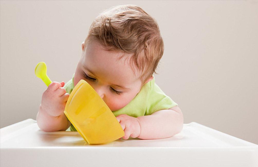別擔心~ 以下4招讓你家寶寶聽話吃飯!!