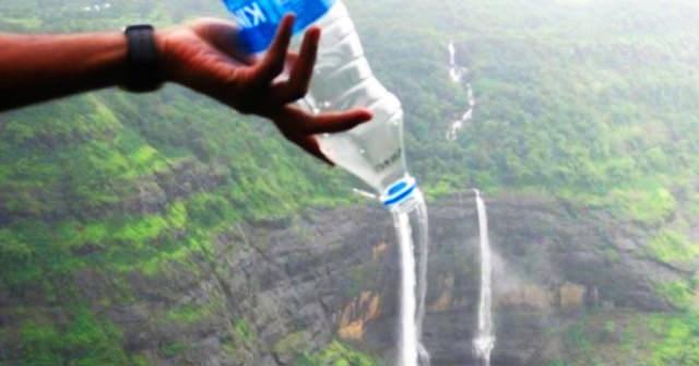 3. 比起在機場買水/帶水進機場 不如帶空瓶 進入海關後再去飲水機裝水