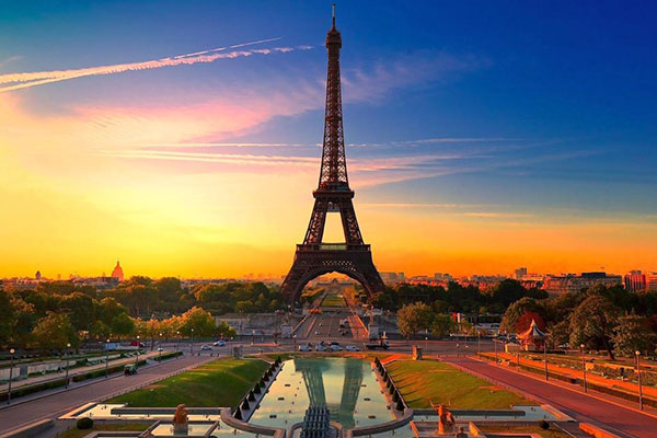 ▣ 第3名. 巴黎(法國首都) 過去4年平均第3名的巴黎 在宜居性上獲得冠軍 交通第二、文化第三