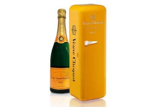 12. 香檳 冰箱一樣的外包裝,看著就很涼爽,好像可以直接拿來喝