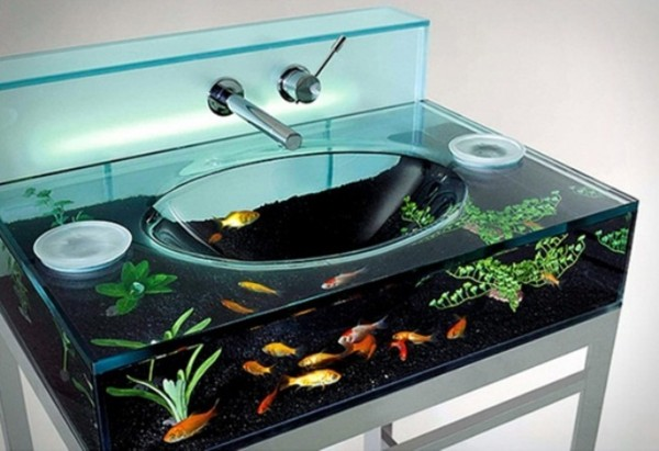 #4 洗面台邊洗臉邊賞魚嗎XD