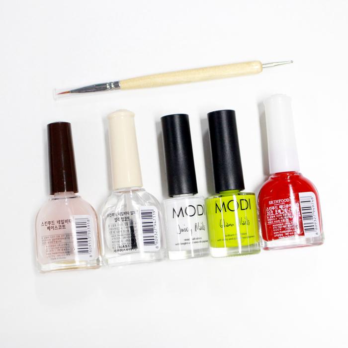 今天準備的顏色!! 打底指甲油、護色透明指甲油、白、黃、紅色 以及圓頭指甲棒