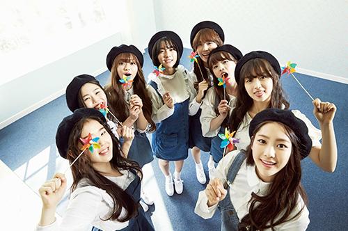 今年四月中旬出道的韓國8人女團Oh My Girl 他們的師兄團就是B1A4 記得之前小編有跟大家分享過這個女團主打的是清純甜美風