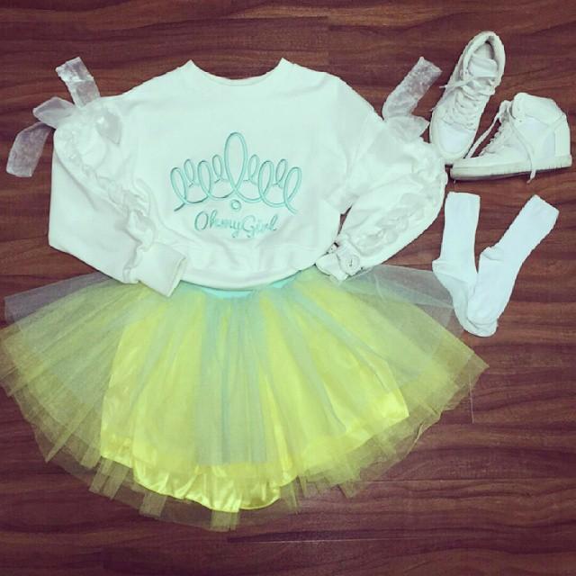 完全小公主的裝扮嘛~~ (雖然好像幼稚園小朋友會做的造型XDD)