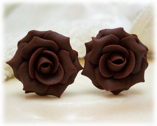 前面的玫瑰花都太有創意了, 相較之下這款巧克力玫瑰花乍看有些不稀奇....