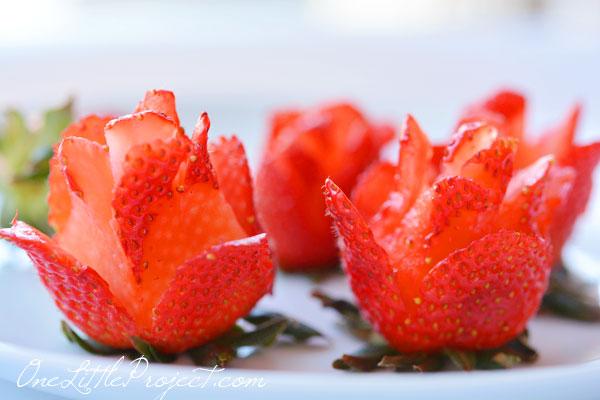 果然,說到水果屆的玫瑰,當然是草莓是也~