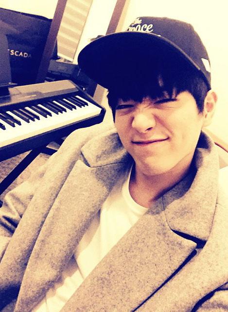 興趣是彈鋼琴的男人~完美啊!