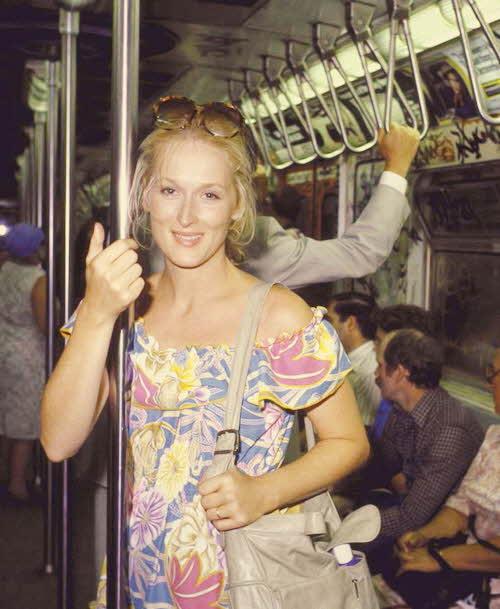 這看得出來是戲精梅莉史翠普早年的照片