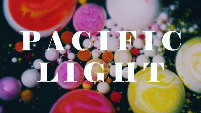 他因此得到創作的靈感 創作了一系列叫做《Pacific Light》的作品...