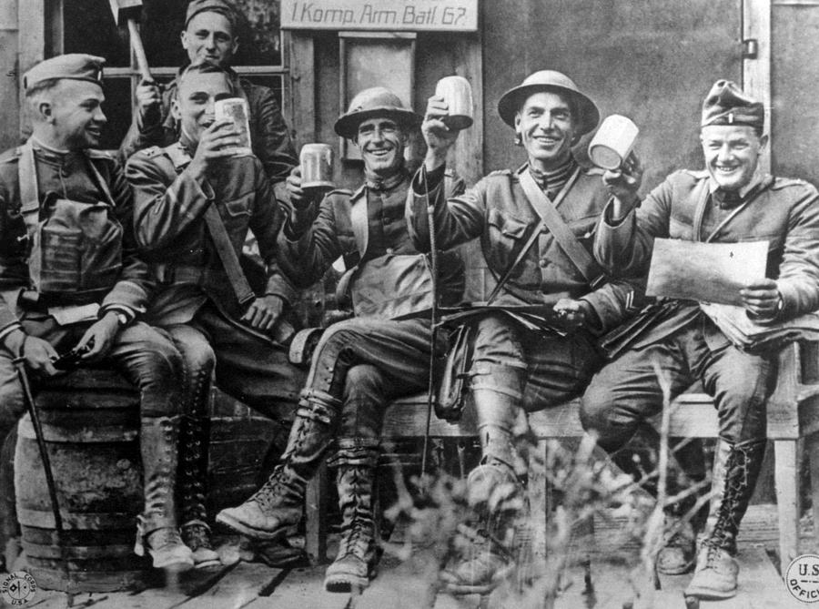 美國在第一次大戰之後,全部的產業都像爆風般的火速成長! 3萬公里外在歐洲大陸上發生的大戰,讓美國一夕致富!